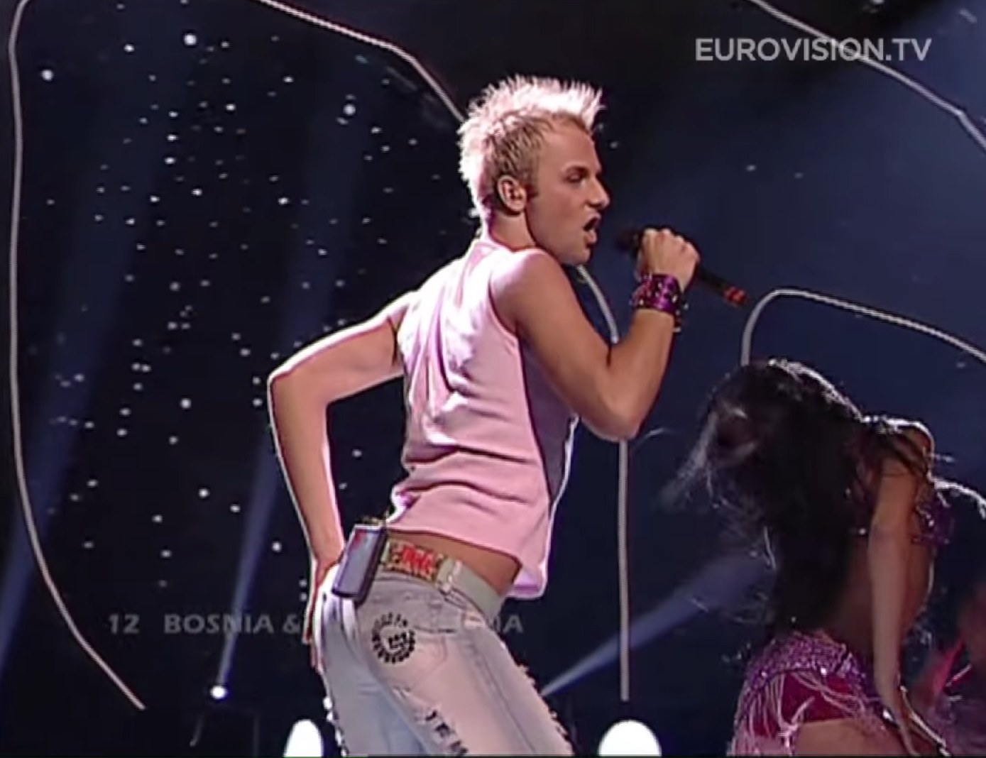 Deen-In-The-Disco-Bosnia-And-Herzegovina-2004-Eurovision-Song-Contest-0-40-screenshot.png