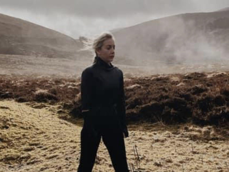 Irlande 2021: Lesley Roy publie la vidéo de Maps, sa contribution au concours Eurovision de la chanson de cette année - EuroVisionary - Euro 2020